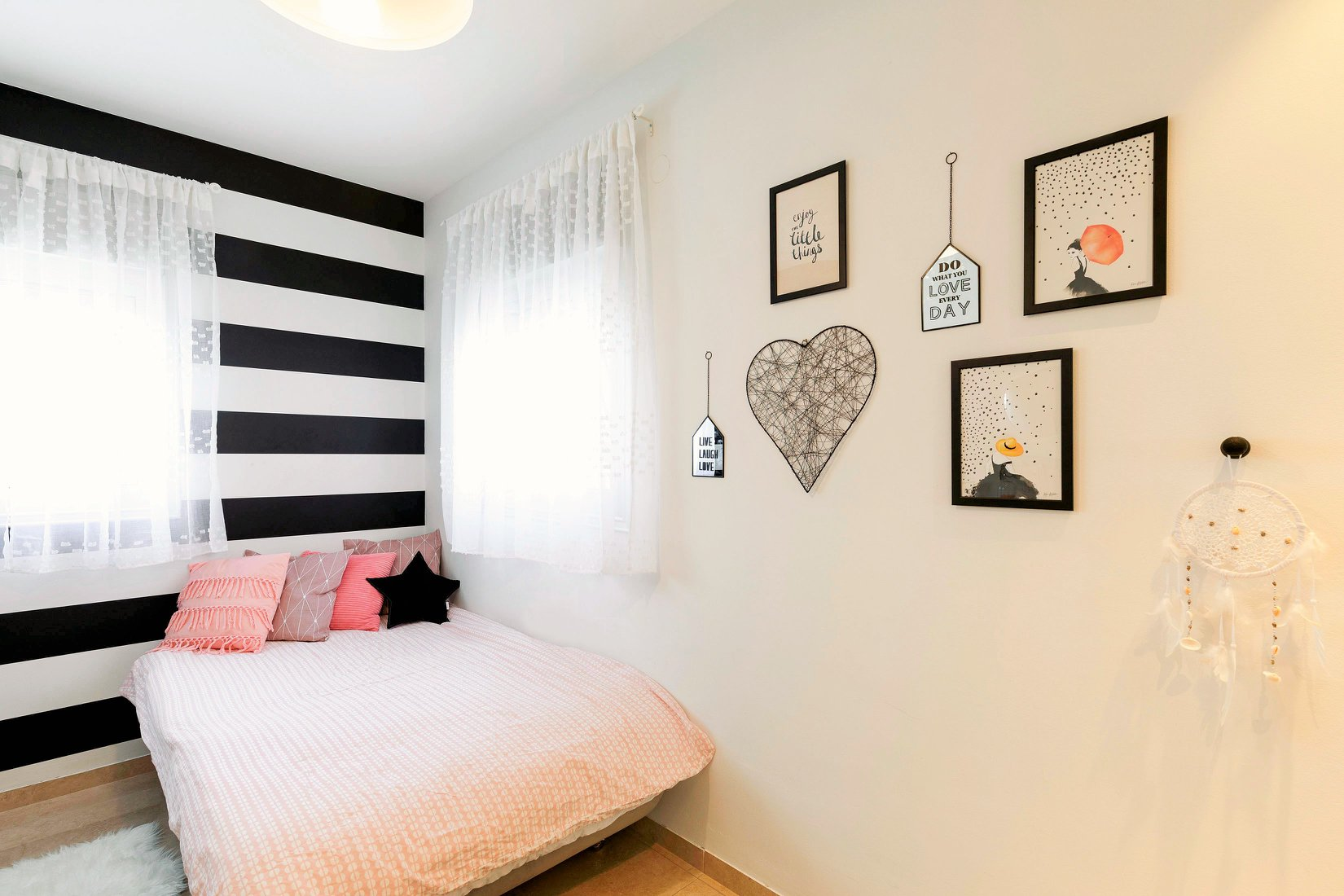 7עיצוב-חדר-לנערה-ליאן