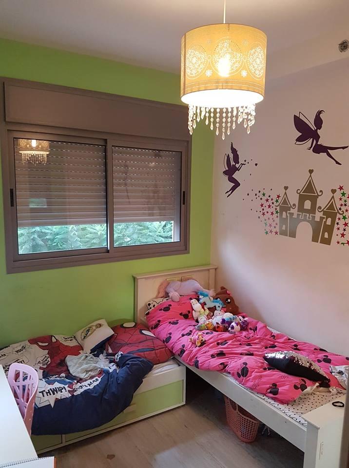 החדר של דולב לפני